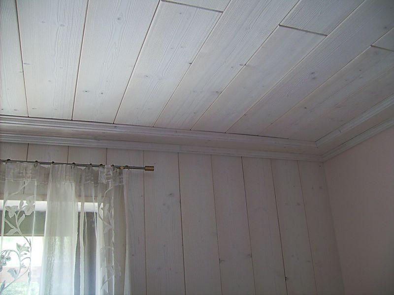 holz decke stunning wer sollte dmmen wer muss with holz. Black Bedroom Furniture Sets. Home Design Ideas